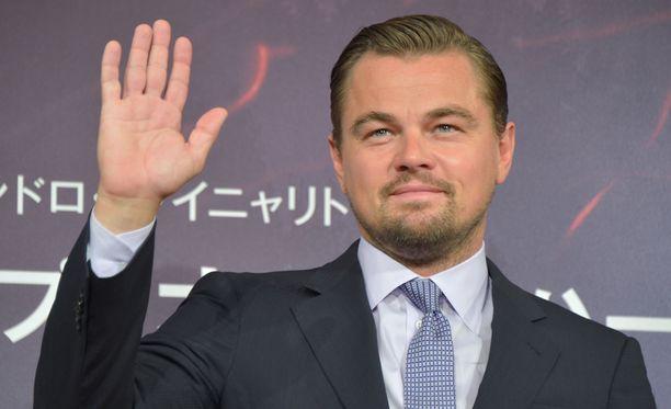 Leonardo DiCaprio on tapaillut lukuisia malleja. Yksi kuuluisimmista lienee Bar Refaeli.