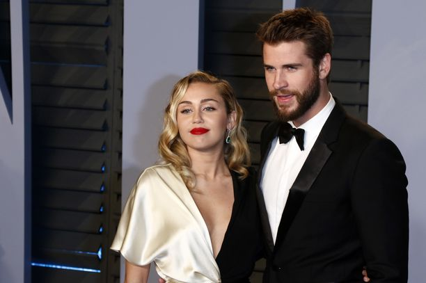 Miley Cyrus ja Liam Hemsworth joutuvat etsimään itselleen uuden kodin.