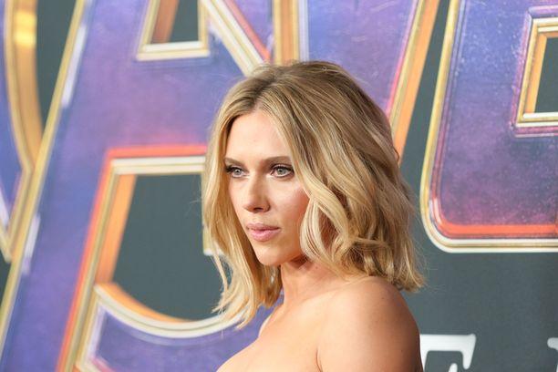 Scarlett Johansson on maailman eniten tienaava naisnäyttelijä.