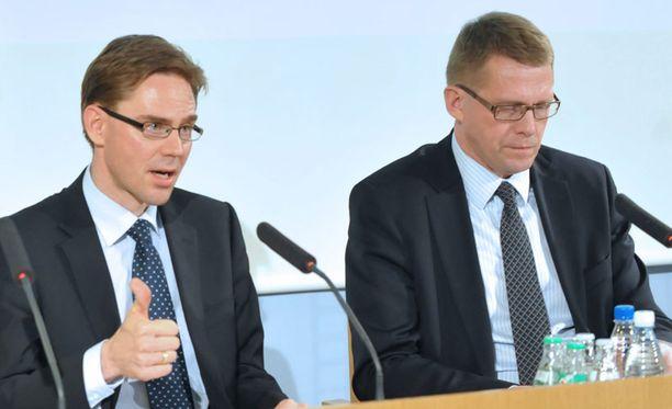 Keski-ikäinen mies uhkasi Jyrki Kataisen ja Matti Vanhasen henkeä.