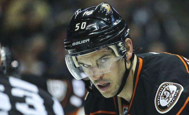 Antoine Vermette siirtyi Anaheimiin täksi kaudeksi.
