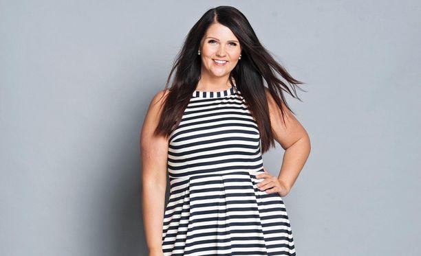 Marjaana Lehtinen laihdutti 80 kiloa pitkän ajan seurauksena. Hän sanoo olevansa tyytyväinen kehoonsa 90-kiloisena.