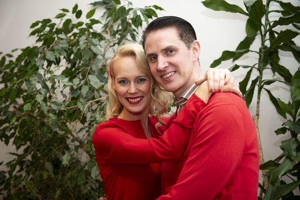 – Tanssissa on sitä jotain. Ei TTK muuten olisi yksi maailman suosituimpia televisioformaatteja. Siitä välittyy sellaista, mitä kaksi ihmistä pystyy luomaan yhdessä. Kyllä tanssiminen on ihanaa!