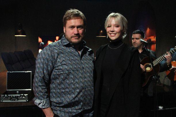 Samuli ja Venla Edelmann esiintyivät yhdessä MTV3:n Studio-ohjelmassa.