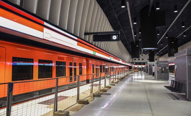 Länsimetron valmistuminen on myöhästynyt useampaan otteeseen.
