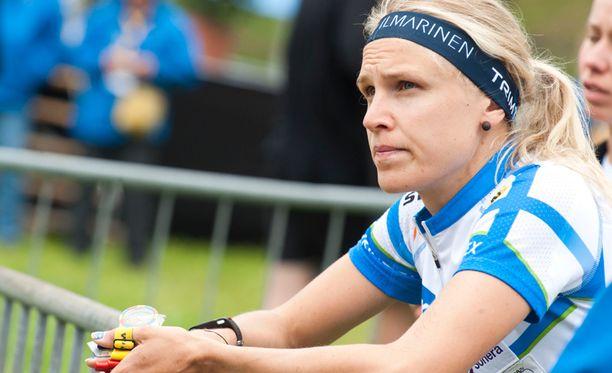 """Minna Kauppi kertoi olevansa kyllästynyt """"tähän hässäkkään""""."""