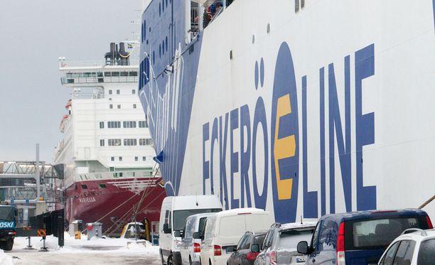Eckerö Line perui maanantaina lähtöjään.