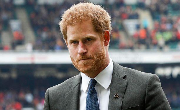 Prinssi Harryn ja Hewittin yhdennäköisyys on saanut monet uskomaan, että Hewitt olisi Harryn isä.