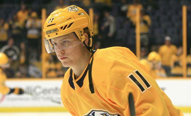 Eeli Tolvanen sai kiitettävästi vastuuta ensimmäisessä NHL-ottelussaan.