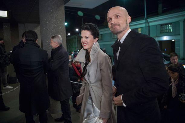 Raija ja Juha olivat Linnan juhlien näyttävimpiä pareja.