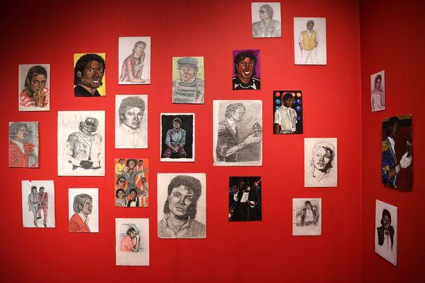 Michael Jackson: On the Wall -näyttely on ollut esillä National Portrait Galleryssa Lontoossa.