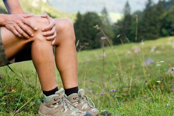 Pitkän tauon jälkeen liikunta voi aiheuttaa kipuja terveellekin. Kroonisesti sairaan kannattaa aloittaa erityisen maltillisesti.