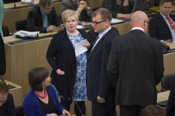 Sipilä ja Saarikko - nykyinen ja tuleva puheenjohtaja?