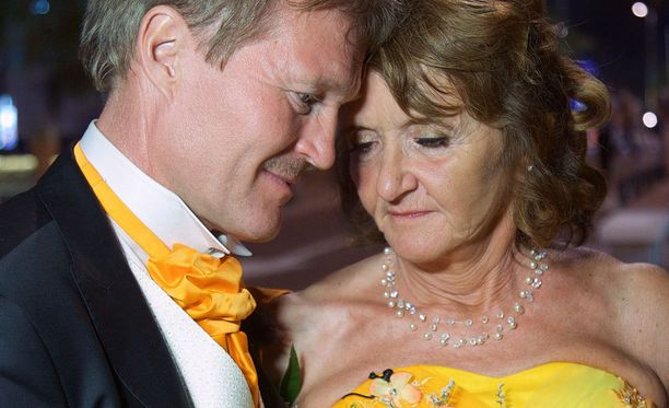 Maija-Leenan ja Tapion onnea varjostaa syöpädiagnoosi.