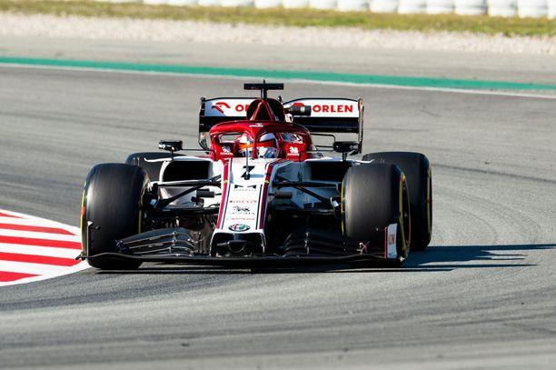 Kimi Räikkönen ja kumppanit ovat tänä vuonna päässeet radalle vain testeissä.