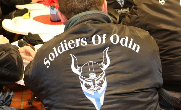 Maahanmuuttovastainen katupartioryhmä Soldiers of Odin perustetiin Kemissä syksyllä 2015.