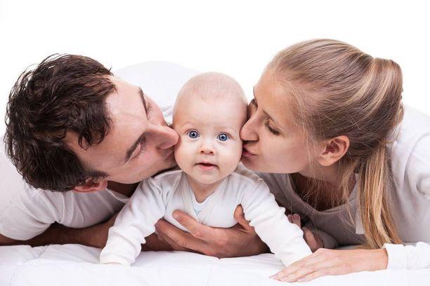Vauva muuttaa vanhempien elämän myös elimistön.