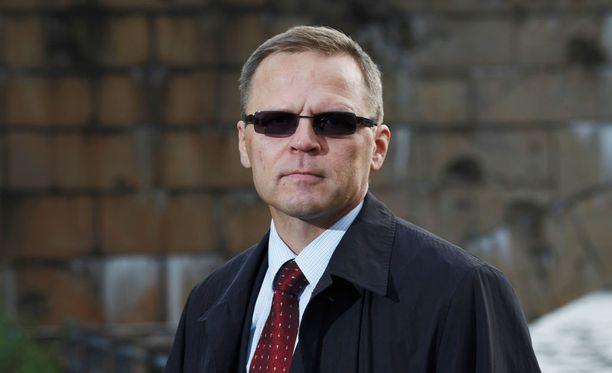 Rakennusliiton puheenjohtaja Matti Harjuniemi kieltäytyi kommentoimasta sekä tutkintapyyntöä että Siikaranta-säätiön kiinteistökauppaa.
