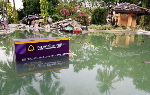 27. joulukuuta 2004, Patong, Thaimaa. Holiday Inn -hotelli.