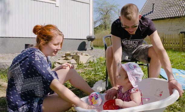 Ronjan Bea tytär on ollut osa myös Jeren elämää syntymästään lähtien.