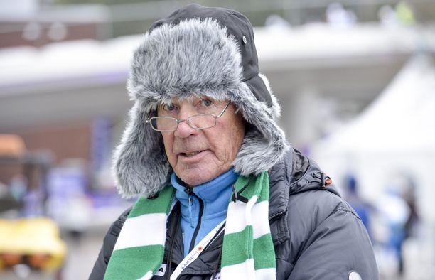 – Vierivä kivi ei sammaloidu, sanoo runsaasti urheileva ja yhä työelämässä mukana oleva Anssi Kukkonen.
