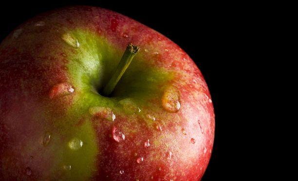 Pari vuotta sitten yhdysvaltalaisen Enviromental Working Groupin selvityksessä kävi ilmi, että eniten torjunta-aineita löytyi persikoiden, omenoiden ja paprikoiden kuorista.