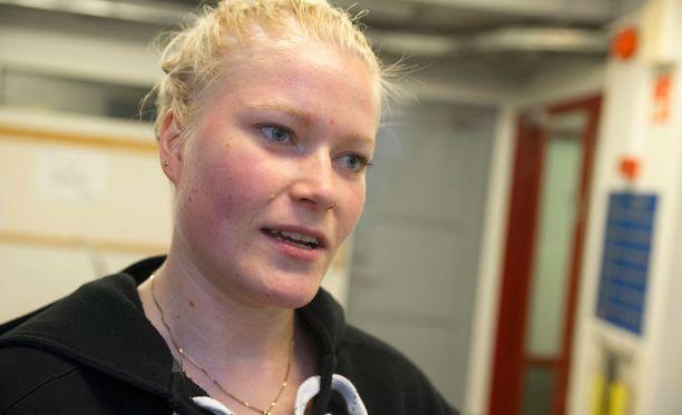 Maalivahti Noora Räty ei mahtunut - syystä tai toisesta - Suomen MM-joukkueeseen.