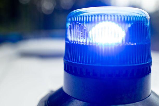 Poliisilla on henkilön hengen ja terveyden suojaamiseen liittyvä tehtävä Vantaalla.