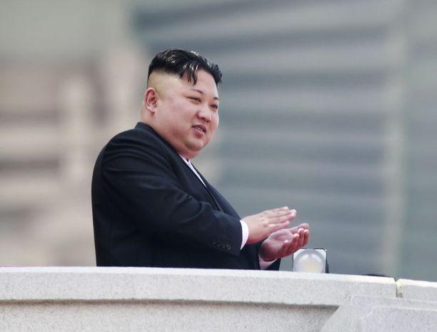 Pakotteiden arvioidaan leikkaavan Kim Jong-unin johtaman Pohjois-Korean vientituloja noin miljardilla dollarilla.
