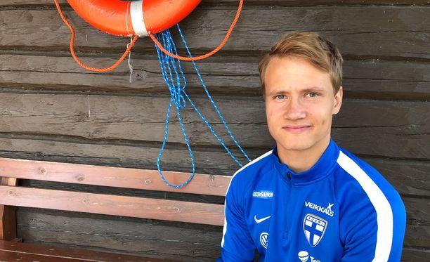 Saku Ylätupa kuuluu alle 19-vuotiaiden maajoukkueen ratkaisupelaajiin.