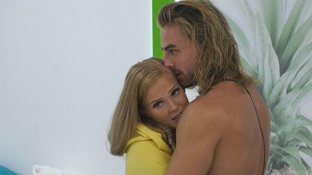 Patrick ja Anku ovat olleet kuin liimattuja toisiinsa Love Island Suomi -villassa viimeisen kuukauden ajan.