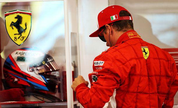Kimi Räikkönen palasi F1-auton rattiin pitkän sopimushulabaloon jälkeen.