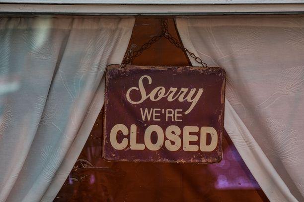 Koronavirusepidemia on sulkenut ravintolat, kahvilat ja yökerhot.