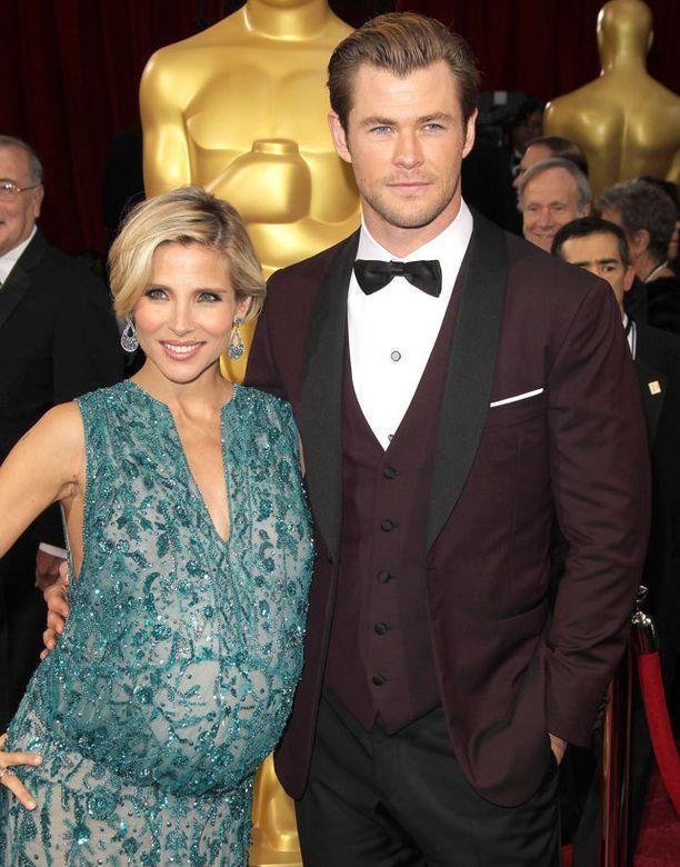 Elsa Patakyn ja Chris Hemsworthin perhe kasvaa kerralla kahdella lapsella.
