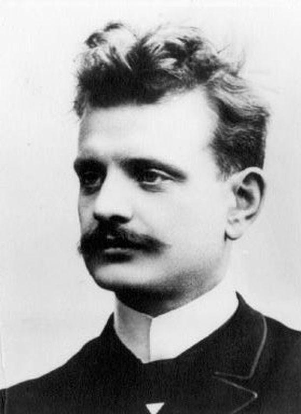 Jean Sibelius sävelsi Jääkärimarssin Suomen itsenäisyyden kynnyksellä.