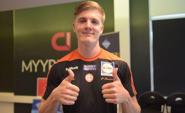 Oliver Helander sanoo, että omaa paremmat menestysmahdollisuudet keihäänheitossa kuin käsipalloilussa.