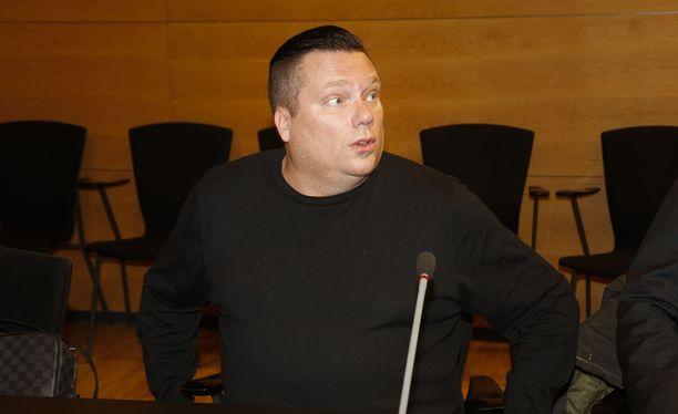 Alex Kunnari sai vuoden ja kahden kuukauden pituisen tuomion törkeästä kirjanpitorikoksesta sekä törkeästä veropetoksesta. Tuomio ei vielä ole lainvoimainen.