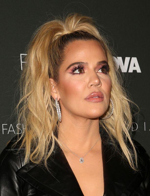 Khloé Kardashian on yhdysvaltalainen televisiopersoona ja pienen True Thompsonin äiti.