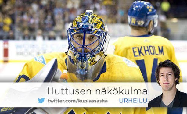 """World Cupin Ruotsi-Suomi-esiottelua myytiin Göteborgissa """"Kung Henrikin"""" eli Henrik Lundqvistin kasvoilla. Tre Kronor voitti pelin 6-3."""