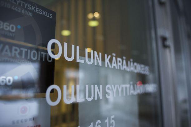 Tapausta käsitellään useampi päivä Oulun käräjäoikeudessa.