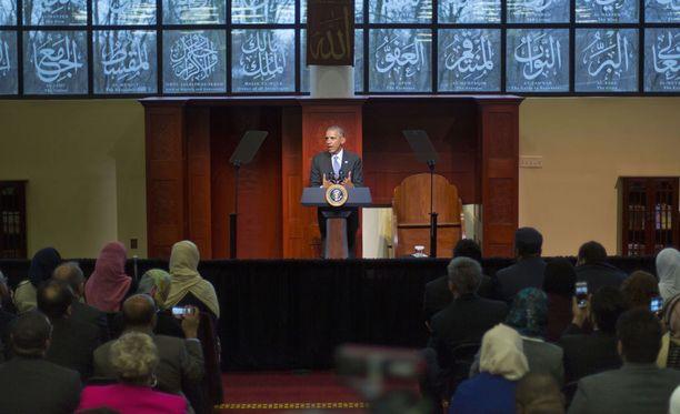 Barack Obama vieraili moskeijassa Baltimoressa.