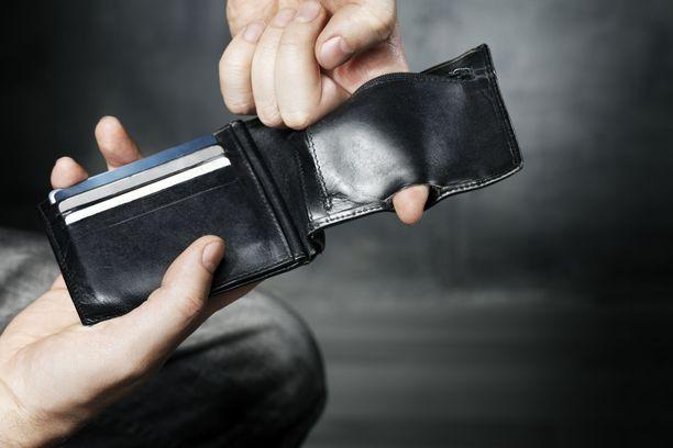 Vuonna 2015 tuli voimaan säännös velan lopullisesta vanhentumisesta, joka lasketaan velan erääntymisestä. Ennen säännöksen voimaantuloa velkoja saattoi pidentää velan perintää määräämättömän ajan. Kuvituskuva.