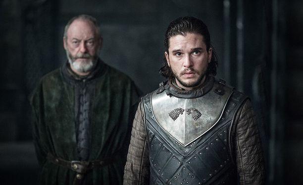 Game of Thronesin uusia jaksoja joutuu odottelemaan vielä vuoden päivät.