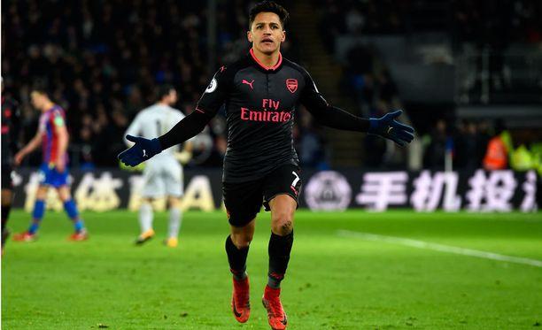 Alexis Sanchez teki Arsenalille tällä kaudella seitsemän valioliigamaalia 19 ottelussa.