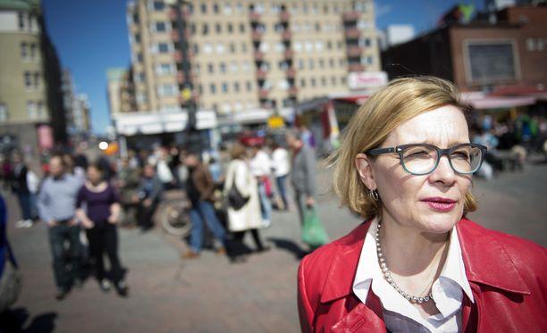 Risikko väläytti Lännen Median haastattelussa maakuntalainsäädännön jäädytystä siksi ajaksi, kunnes sote-lait on korjattu perustuslakivaliokunnan täyslaidallisen jälkeen.