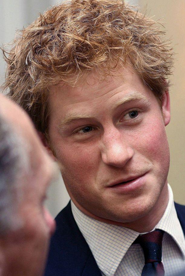 Metsämies Prinssi Harry on innokas metsästäjä.