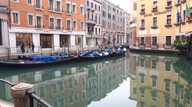 Venetsian kanavien vesistöjen kirkastuminen on yksi esimerkki siitä, että kornaviruksesta on seurannut edes jotain hyvää.