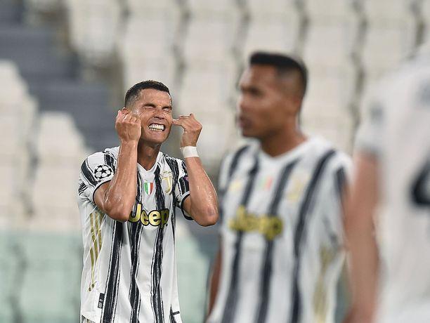 Cristiano Ronaldon edustama Juventus tippui Mestarien liigan ensimmäisessä pudotuspelivaiheessa Lyonille.