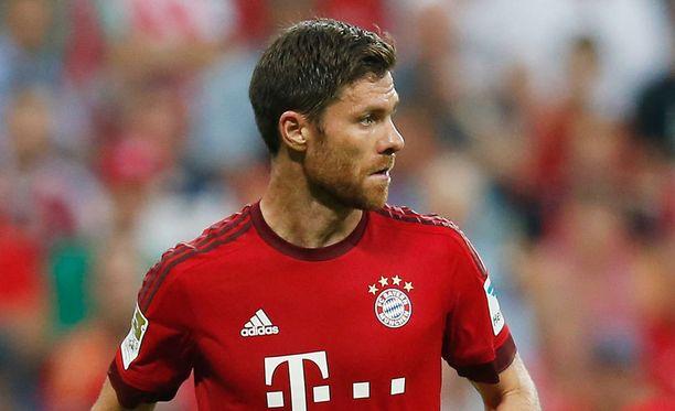 Xabi Alonso tähdittää Bayern Münchenin keskikenttää.