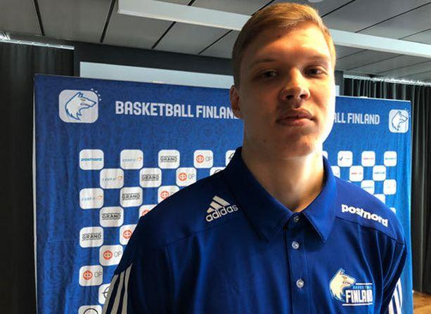 18-vuotias Elias Valtonen nousi Susijengiin.